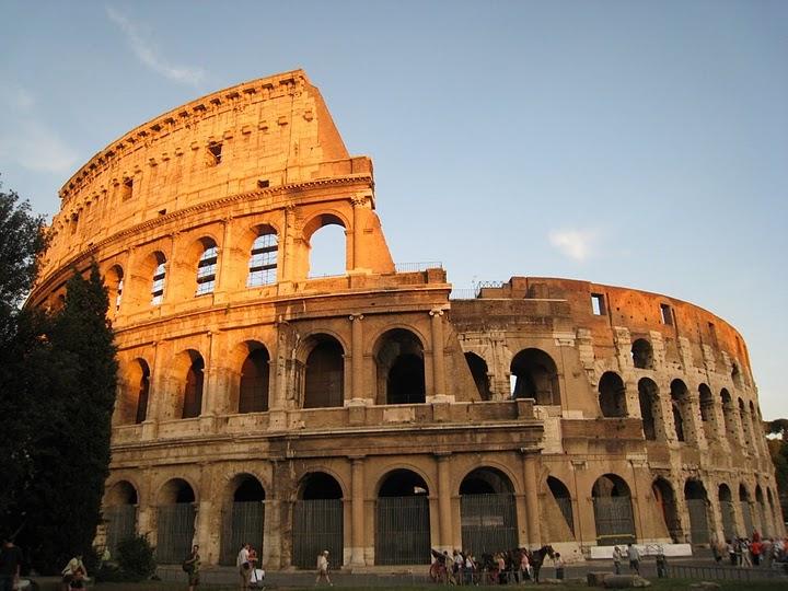 夕陽下的 Colosseo