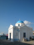 市場附近的白色教堂