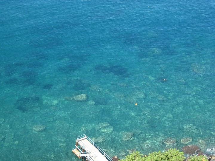 清澈的海水