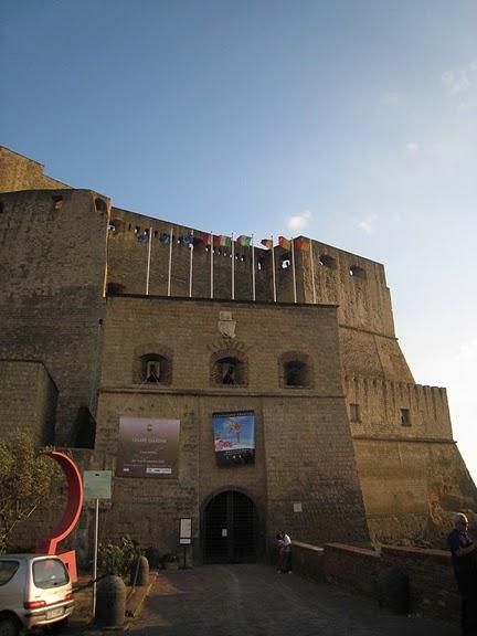 Castel dell'Ovo 大門