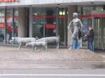 到達Trier,往Porta Nigra途中看到的雕像
