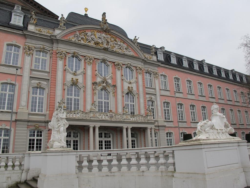 選帝侯宮殿 Kurfürstliches Palais