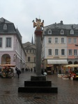 十字架就是Cathedral of Trier(德語: Trierer Dom)