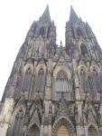 哥德式建築的其中一個特色就是垂直線