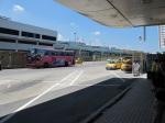 在機場等候巴士到臺北市
